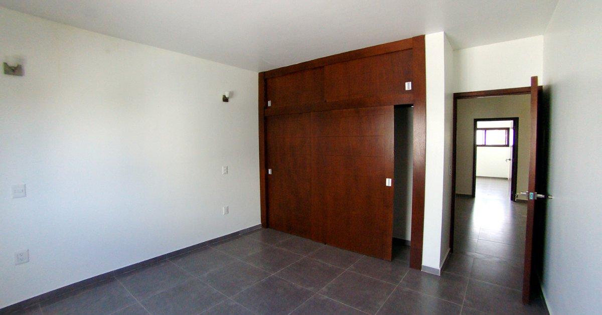 Casa fraccionamiento puertas de asis for Puertas para recamara