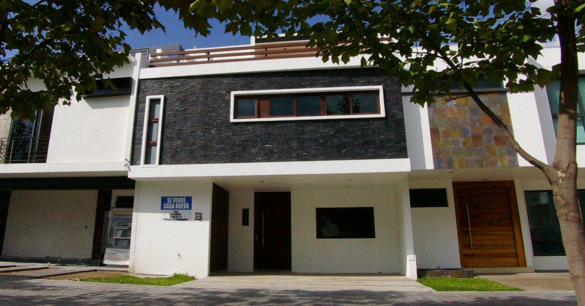 Casa fraccionamiento puertas de asis for Precio de puertas para casa